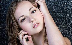 まるでお姫様・・・!ロシア人モデル(18歳)ジェフ・ミルトンのまっしろで柔らかな裸。