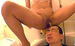 『超』肉圧顔騎が凄すぎるぽっちゃり痴女の聖水シャワー(・´з`・)イっても許してくれない彼女が最高です(^^)/