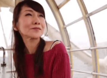 【初撮り】熟女好きにはたまらない瘦せ気味体系の50代人妻が汚されちゃう!