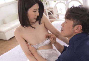【初撮り】 某有名高級ブランドで働いている美人過ぎる奥さん!極上美人な人妻が緊張しながらも初めて晒すスレンダーで色白の裸体がエロ過ぎ!