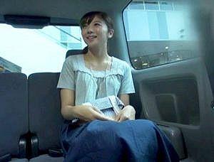 【人妻ナンパ】可愛い笑顔とくすぐるような甘え声の奥さん!スレンダー美人の専業主婦がSEXで壊れていく姿がエロ過ぎ!