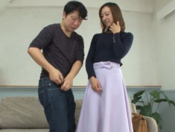 【初撮り】熟れ始めた細身の貧乳奥様が快感を求めて初撮り!いやらしい腰使いで射精と同時にイキ果てちゃう!