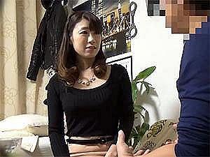 【人妻ナンパ】子育てが一段落した43歳の専業主婦がエロ過ぎ!セックスする気満々で部屋までやってきた巨乳妻!