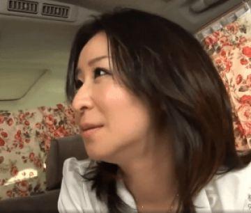 【人妻ナンパ】買い物中のおっとりした巨乳奥さんはエロい事で頭がいっぱい!ホテルでは久しぶりの中出しセックス!