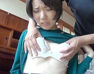 発達した長乳首がちぎれるくらい伸ばされて発情しちゃう奥さん!激エロ乳首の人妻が理性を失うほどの快楽で失禁放尿!