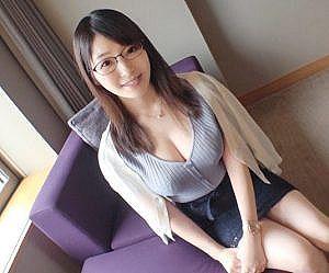 【素人】綺麗すぎる天然Fカップとピンク乳首の35歳人妻は4年間セックスレス!快感過ぎて旦那にもしたことのない超濃厚ご奉仕までしちゃう!